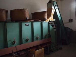 岩茶工場 篩分機